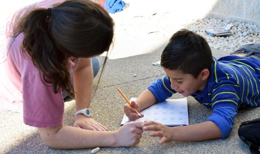 volunteer_outside.jpg